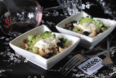 Рецепт Салат с огурцом и курицей