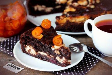 Рецепт Шоколадный пирог с творожной начинкой и вишней