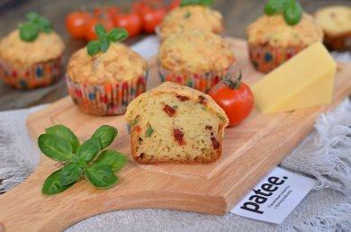 Рецепт Маффины с вялеными помидорами и базиликом