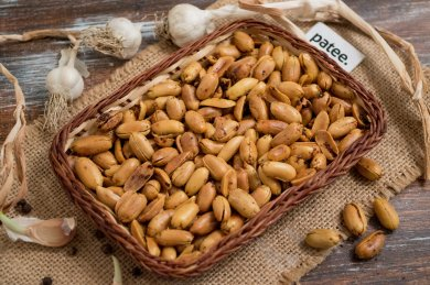Рецепт Арахис со специями и чесноком