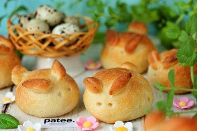 Рецепт Пасхальные булочки с перепелиными яйцами
