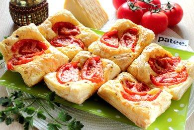 Рецепт Слойки с помидорами и сыром