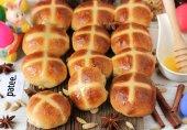 Пряные пасхальные булочки с крестиками