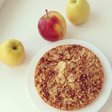 Рецепт Пирог с яблоками и орехами