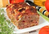 Мясной хлебец с сыром, ветчиной и вялеными томатами