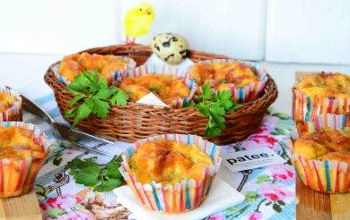 Рецепт Маффины из кабачков с салями и помидорами