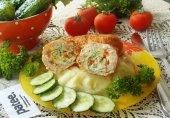 Мясные зразы с омлетом в соусе