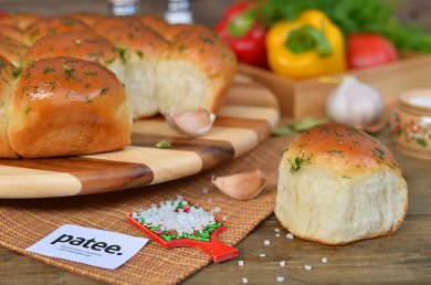 Рецепт Пампушки с чесноком и укропом — рецепт для хлебопечки