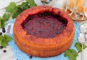 Пирог с красной и черной смородиной