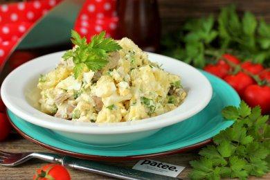 Рецепт Салат с маринованными грибами и картофелем