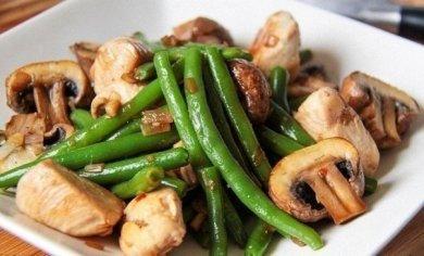 Рецепт Фасоль с грибами и курочкой 54,6 ккал на 100 г
