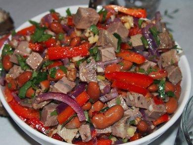 Рецепт Салат с фасолью и говядиной
