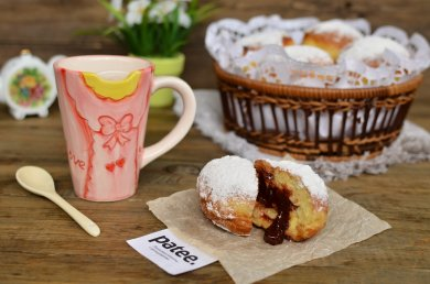 Рецепт Berliner Пончики с клубничным джемом — рецепт для хлебопечки