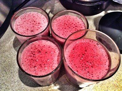 Рецепт Бананово-вишневый молочный коктейль