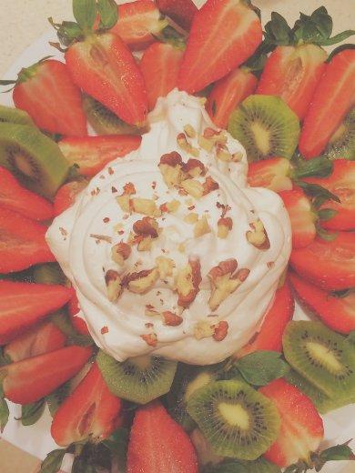 Рецепт Взбитые сливки с фруктами