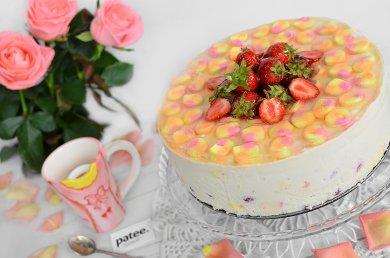 Рецепт Клубничный торт с маршмеллоу
