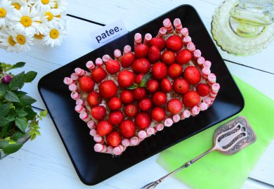 Рецепт Клубнично-банановый торт