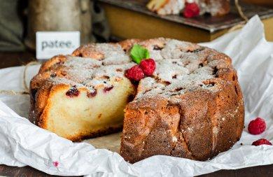 Рецепт Творожный кекс-пирог с малиной