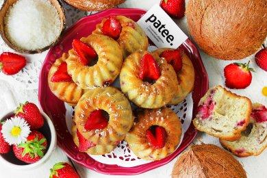 Рецепт Кокосовые кексы с клубникой