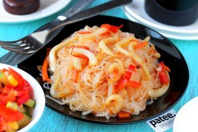 Рецепт Фунчоза с кальмарами и овощами