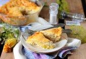 Пирог с кабачками и луком