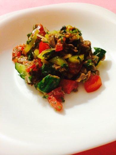 Рецепт Салат из говядины и овощей на костре
