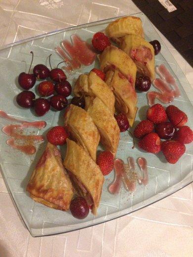 Рецепт Блинный рулет с фруктами