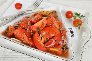 Рецепт Салат из помидор в пикантном маринаде