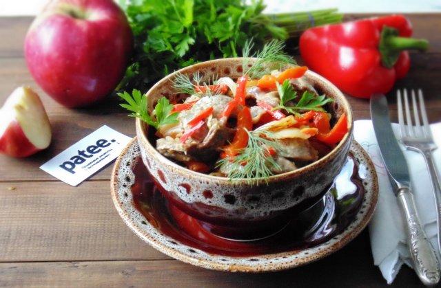 Салат с куриными сердечками и болгарским перцем