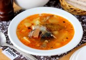 Картофельный суп с сардиной в томатном соусе