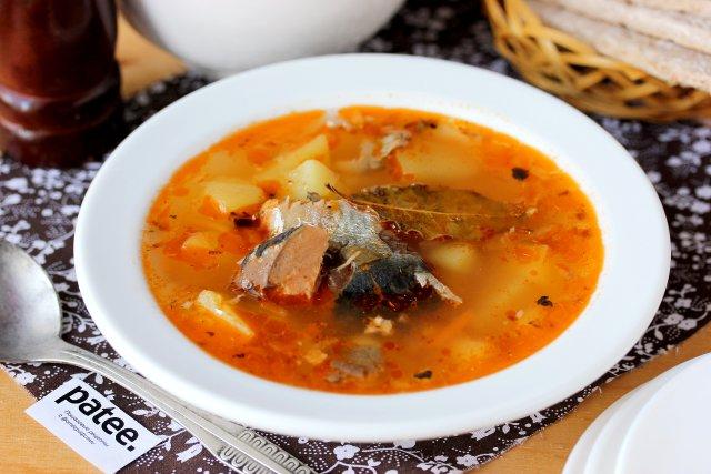Рыбный суп из консервов кильки в томатном соусе