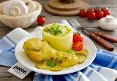 Курица с грибами в сметанном соусе с карри