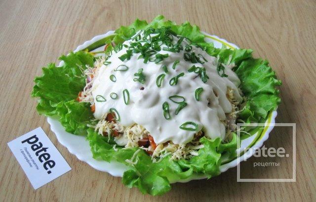Слоеный салат с маринованным луком рецепт