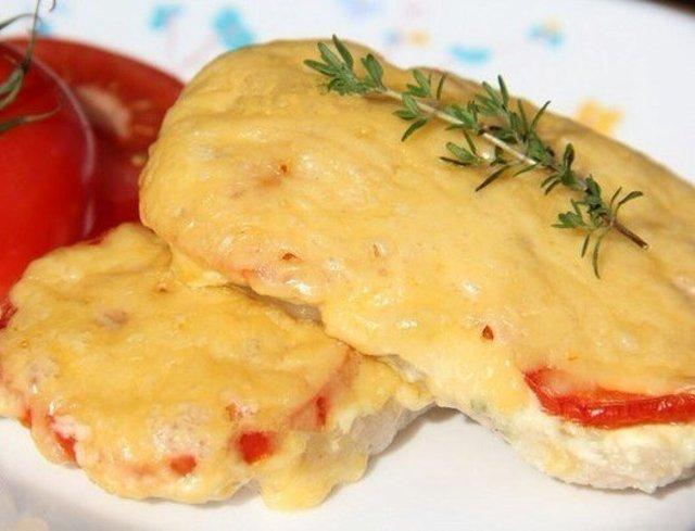 Свинина с помидорами луком и сыром в духовке рецепт с пошагово