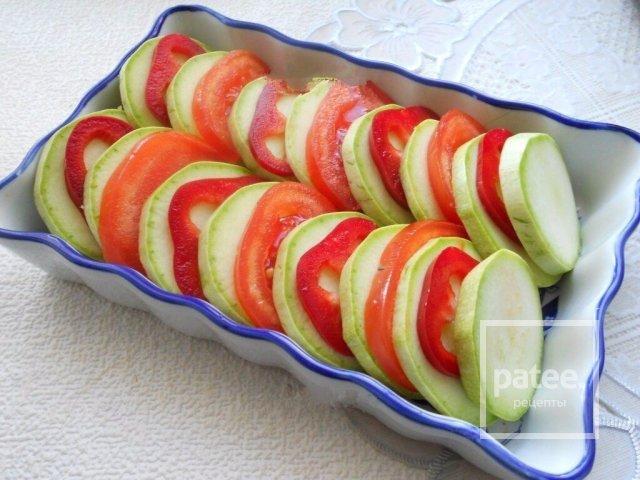Кабачки рецепт с помидором и сыром