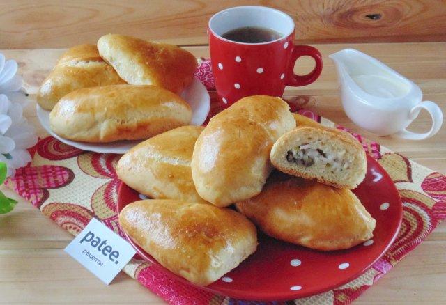 Пирожки с грибами и рисом в духовке пошаговый рецепт