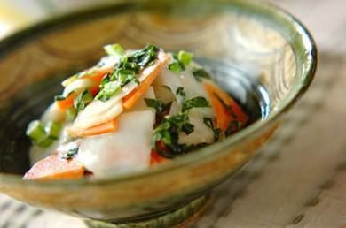 Рецепт Салат из репы под майонезно-цитрусовым соусом