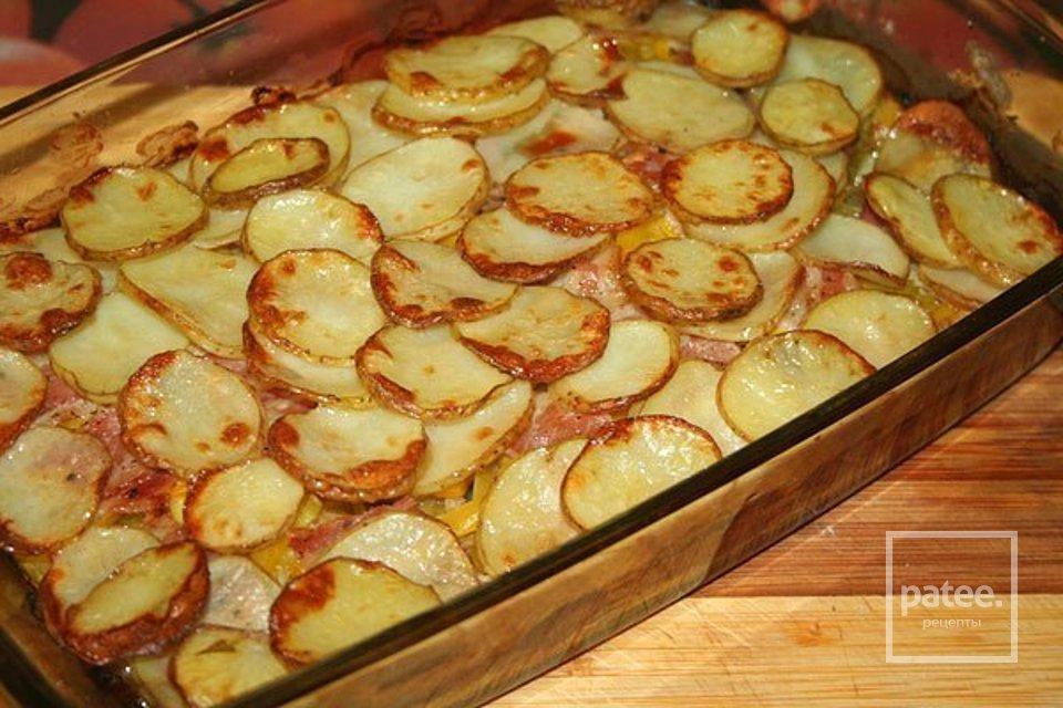 Запеченный молодой картофель с овощами