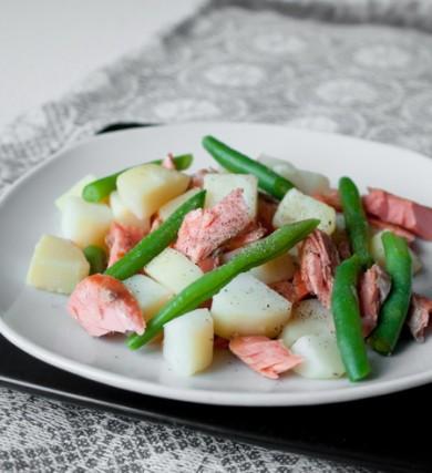 Рецепт Салат из лосося с картофелем и зеленой  фасолью