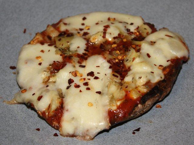 Грибная пицца с артишоками
