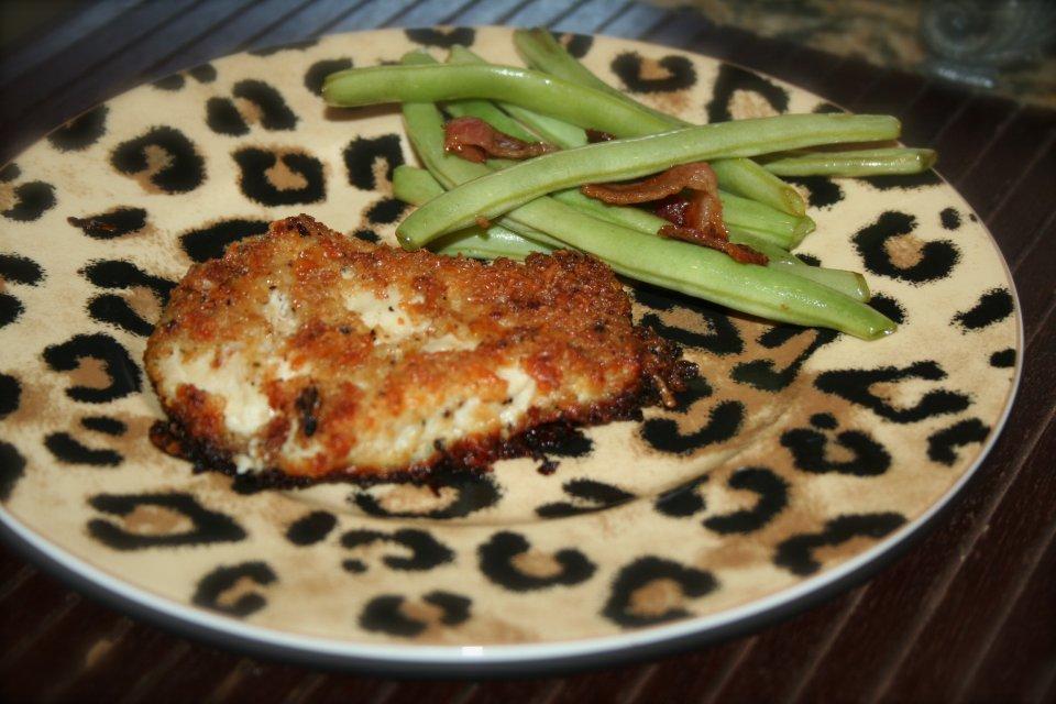 Куриное филе в сухарях и сыре