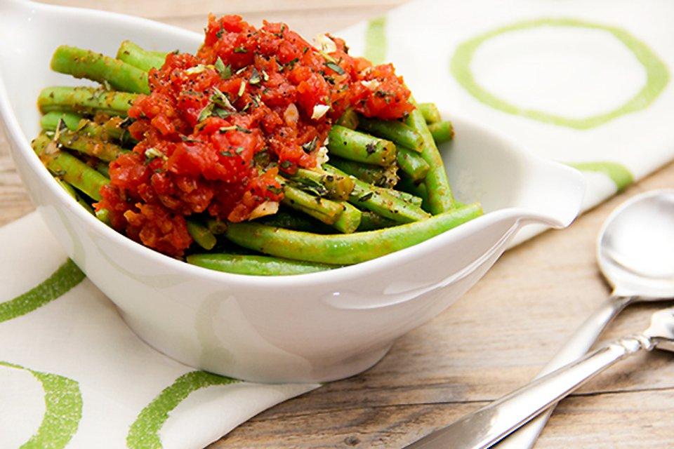 Фасоль с томатным соусом