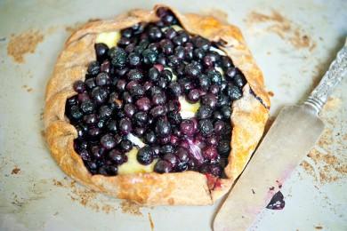 Рецепт Сладкая лепешка с черникой и сыром бри