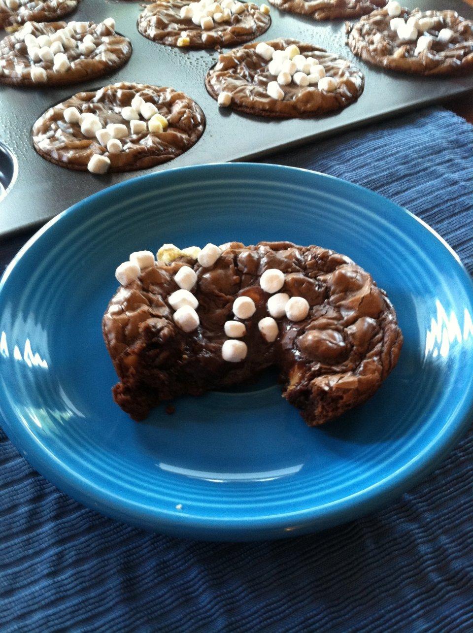 Шоколадно-арахисовое печенье с маршмэллоу