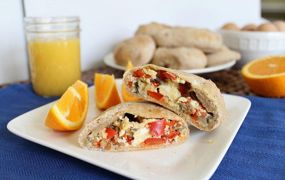 Домашние горячие бутерброды на завтрак