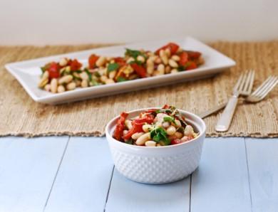 Рецепт Салат из жареных помидоров и белой фасоли