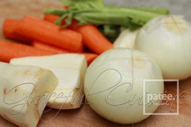 Куриный суп с фрикадельками из мацы