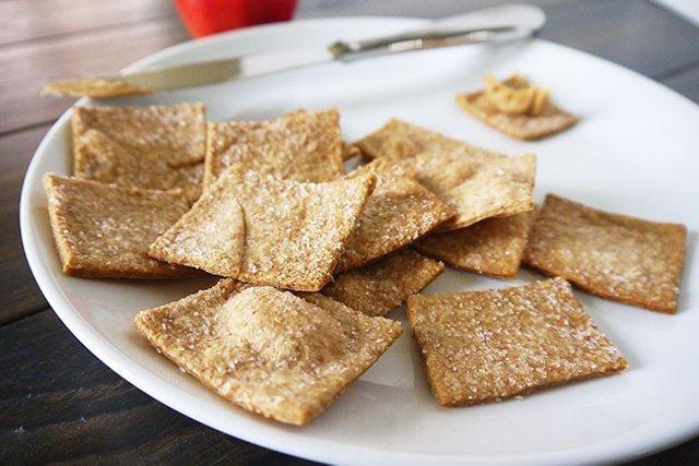 Домашний соленый крекер из пшеничной муки