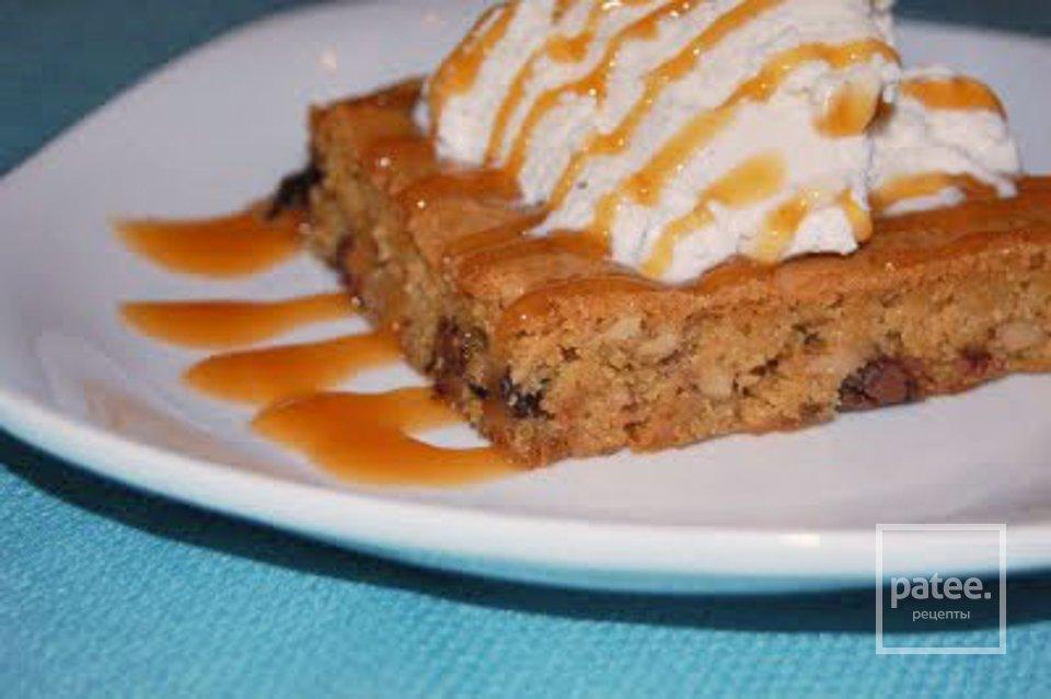 Роскошный пирог с шоколадом и орехами