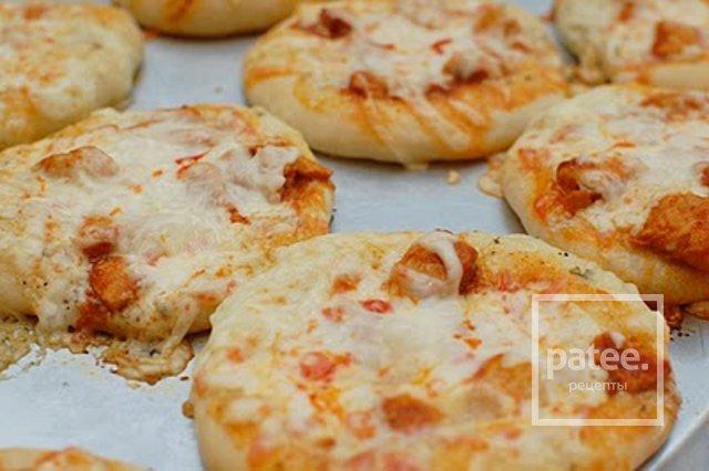 Мини-пицца с курицей
